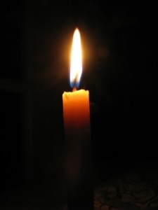 Candle flamei n the dark