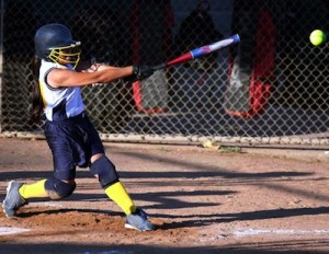 Softball batter photo by Iris Nieves